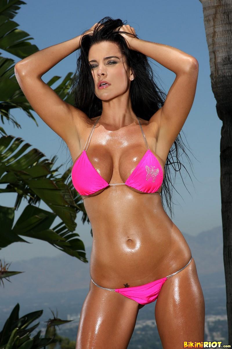 Laura Lee Perfect Ass in Scrunch Bottom Bikini