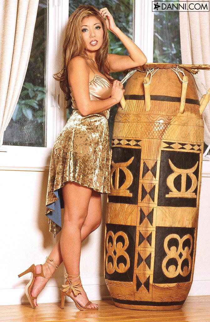 Akira Lane Buxom Japanese Model Loses Gold Dress