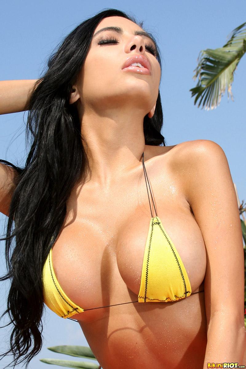Lela Star Busty Cuban Hottie Loses Skimpy Bikini