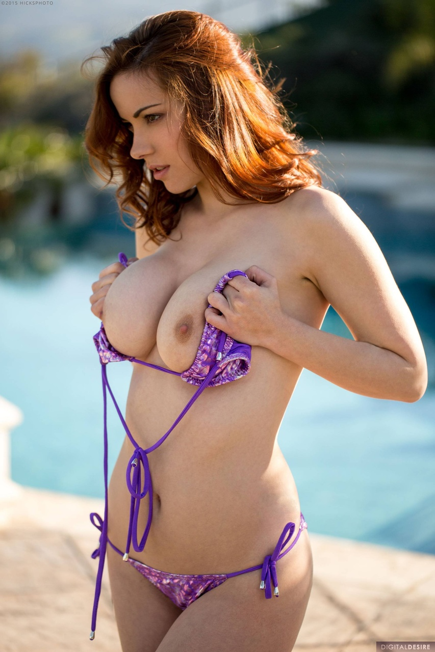 Elizabeth Marxs Poolside Beauty in a Bikini