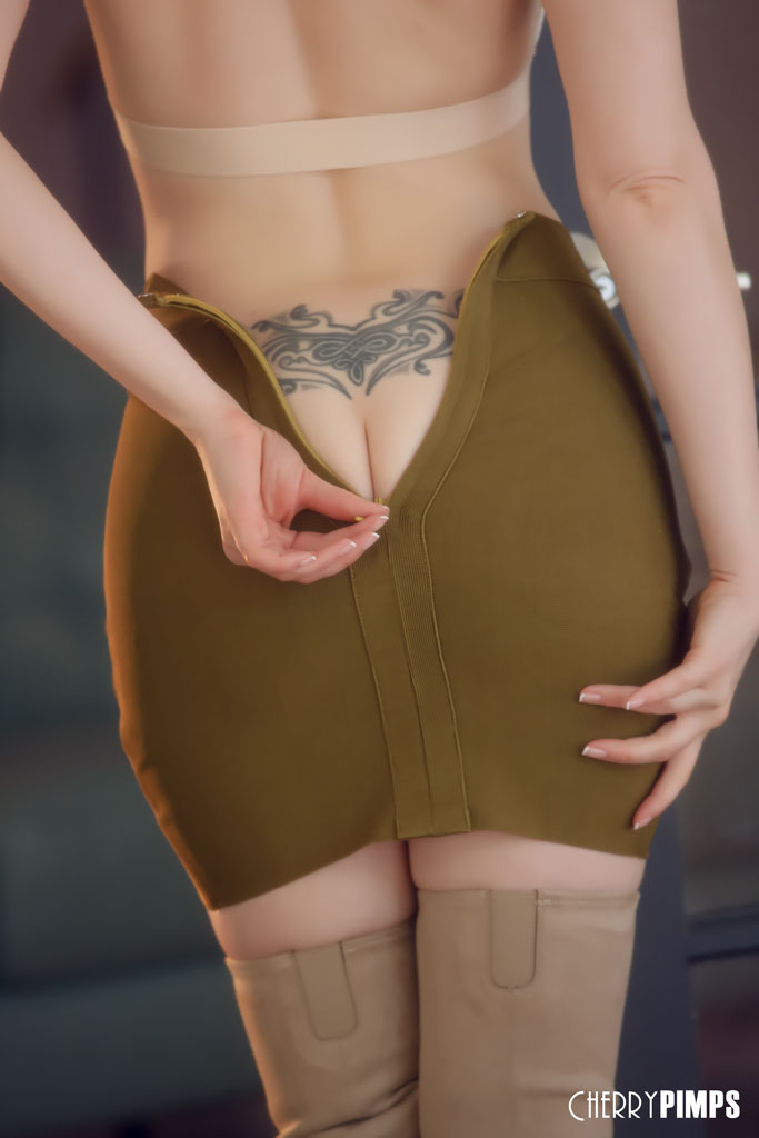 Charlotte Stokely Slips out of her Skirt